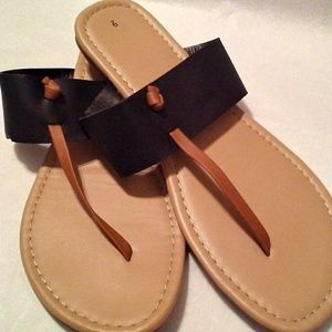 Shoes - Thong sandals